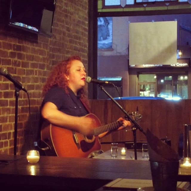#tbt to the last time we had @ruby_rae here for our weekly music series! Come for the music and stay for the food and beer! Think of it s a perfect excuse to try our #friedchicken it's cultural! #strongplace #bklyn #craftbeer #thursdaytunes
