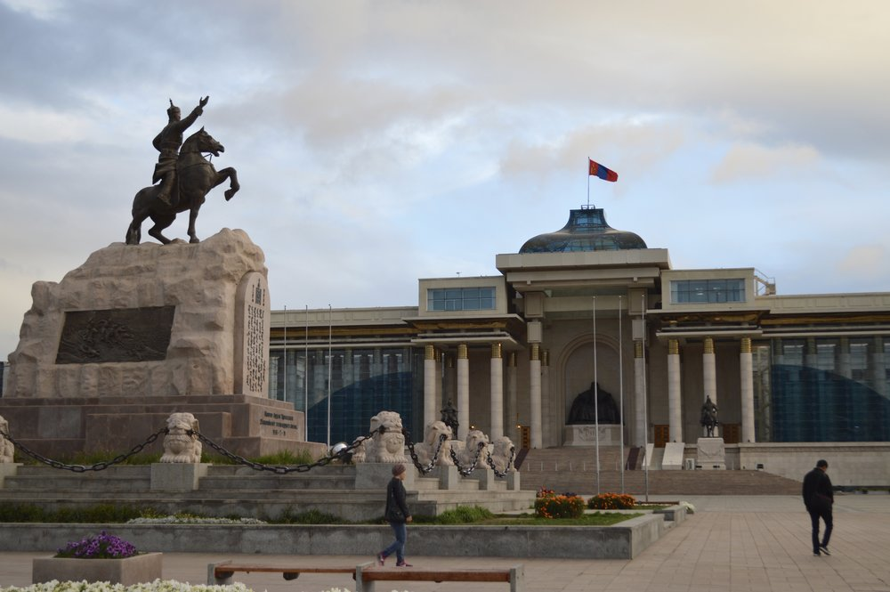 Damdin Sükhbaatar Monument & Chinggis Khaan Monument in background