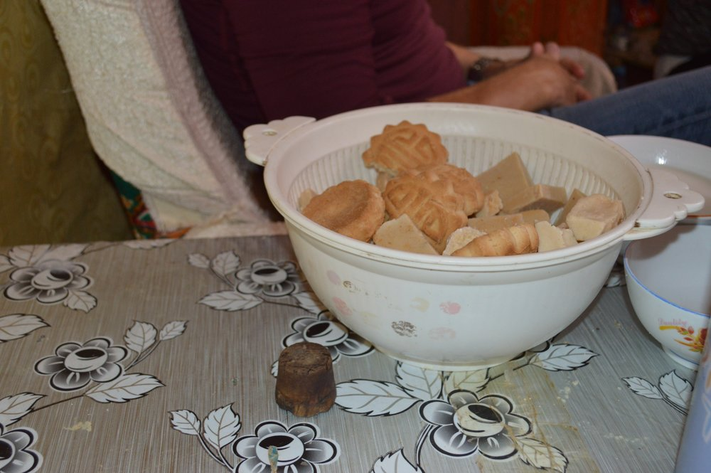 Bowl of curd and cookies