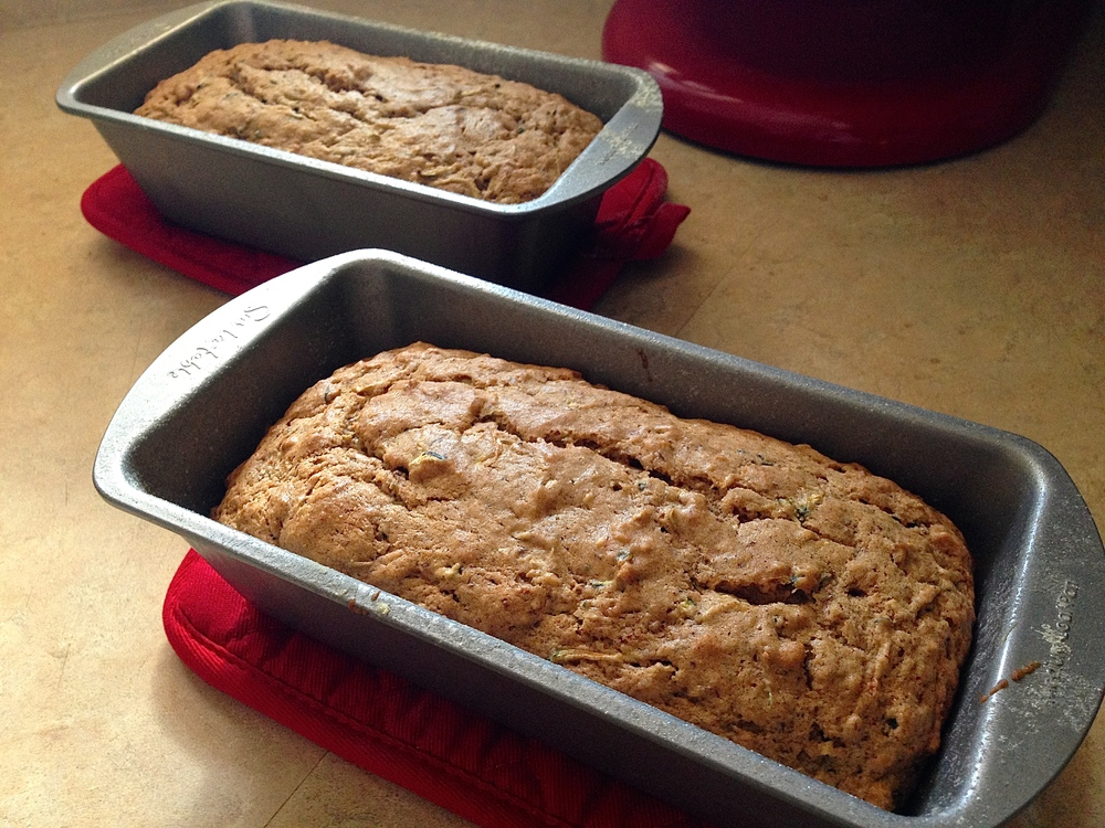 Zucchini Bread {vegan} | Kneading Home