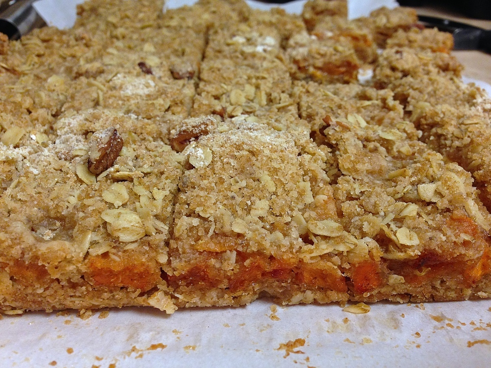 Persimmon Pecan Crumble Bars {Vegan}| Kneading Home