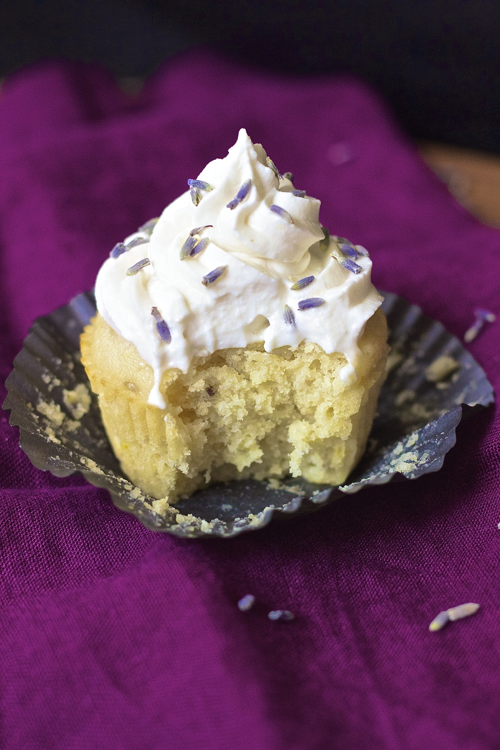 Lavender Lemonade Cupcakes {vegan} | Kneading Home
