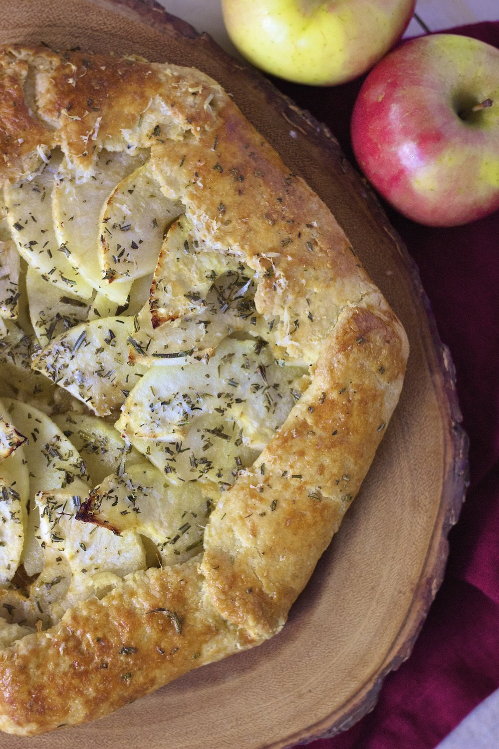Apple, Rosemary & Cheddar Galette | Kneading Home