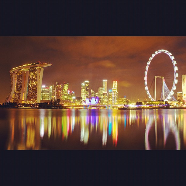 Singapore City.  www.soperimages.com  #photos #photography #singapore #city #reflection