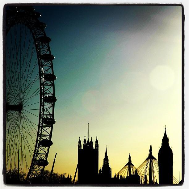 London skyline. #london #city #cityscape #silhouette #bigben #londoneye www.soperimages.com