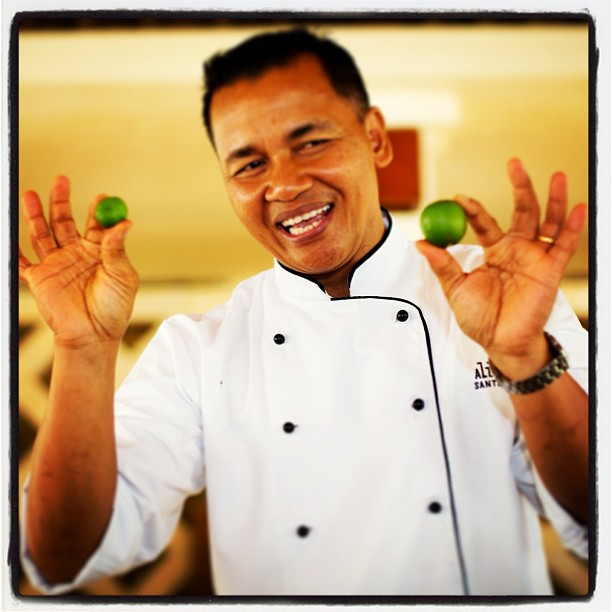 Chef + Limes, Bali. www.soperimages.com #chef #cooking #bali #lime #fruit #hands #smile