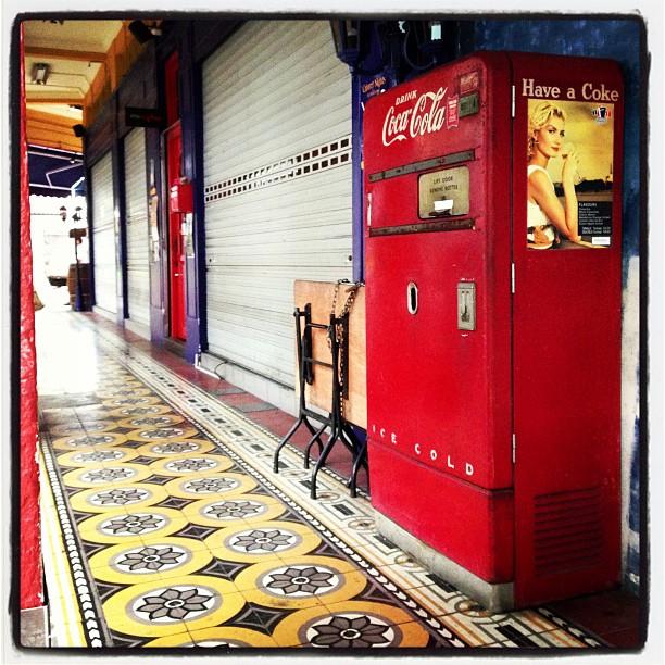 Retro Coke vending machine, Little India, Singapore. #cocacola