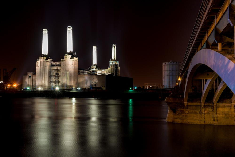 Recent photo of Battersea Power Station.