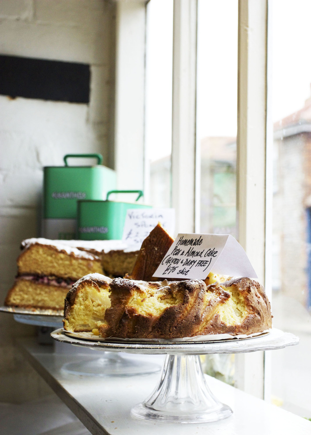 Picnic fayre cake 2.jpg