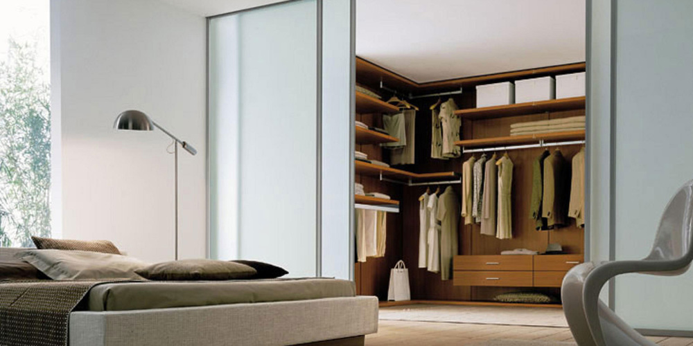 WALK IN TO THE PERFECT STORAGE SOLUTION    VIEW OUR WALK IN WARDROBES