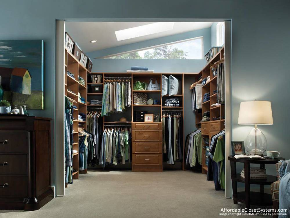 Open planned fitted walk in wardrobe