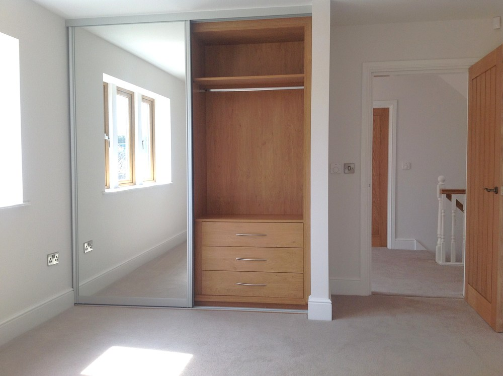 CUSTOM-MADE FITTED WARDROBES