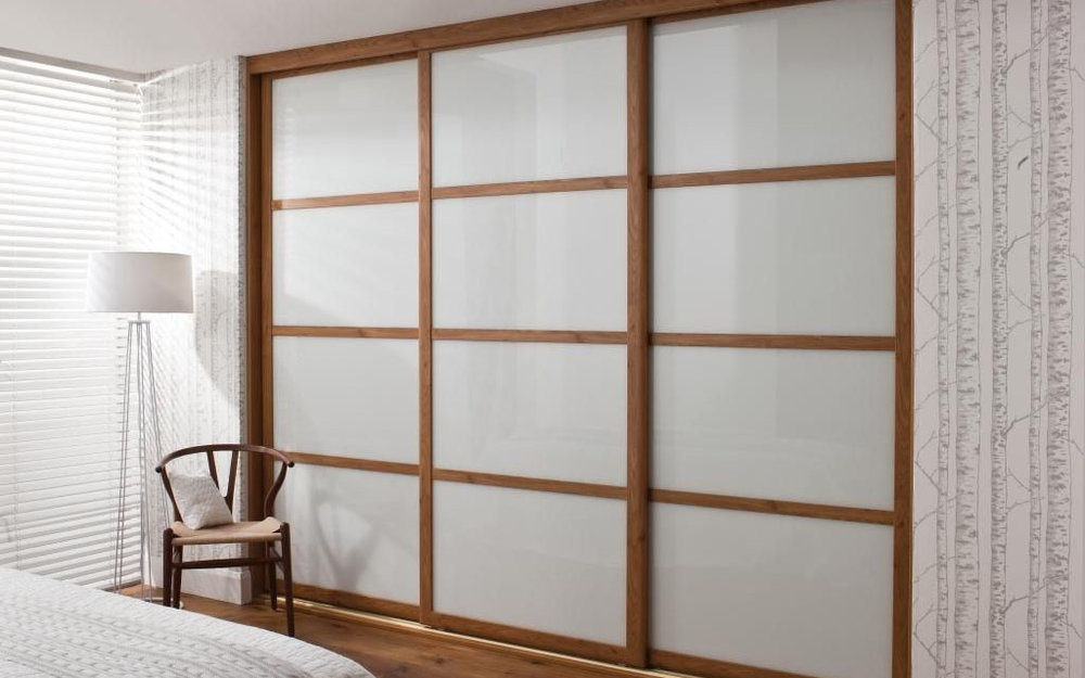 Sliding fitted furniture