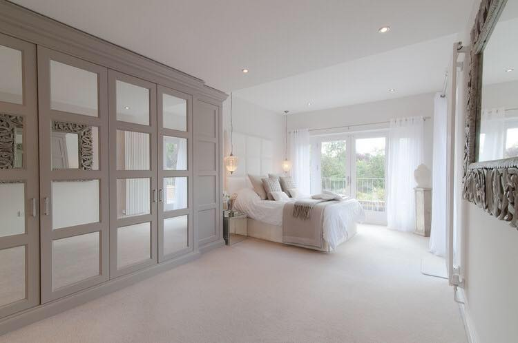 Mirrored fitted furniture