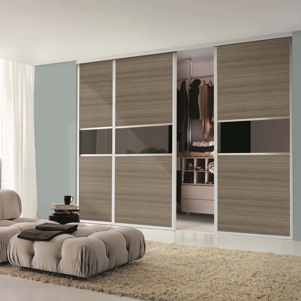 Made to measure fitted furniture