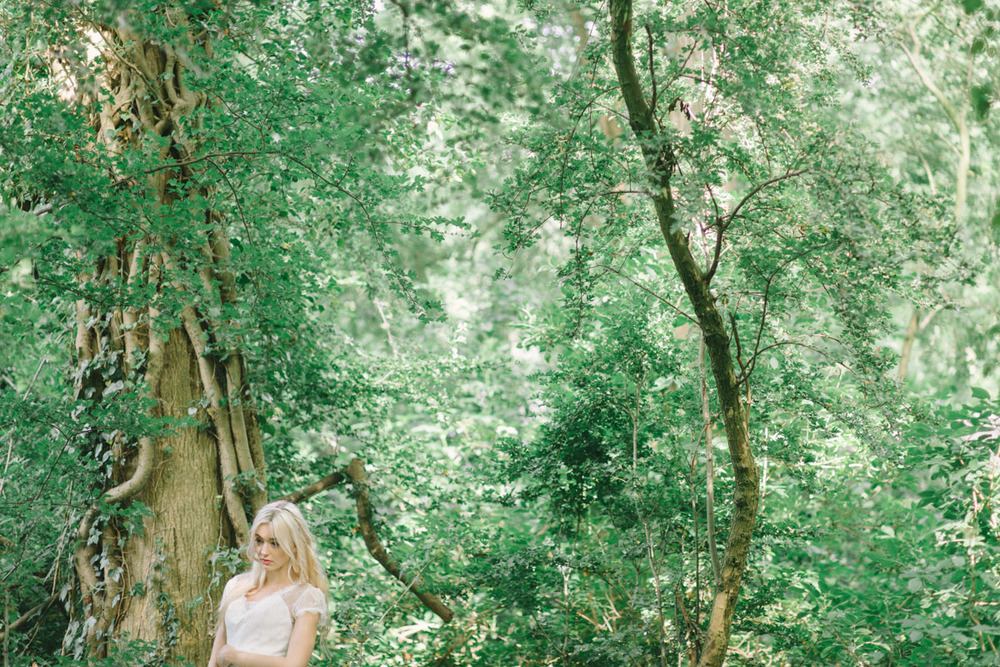 outdoor-forest-wedding-inspiration