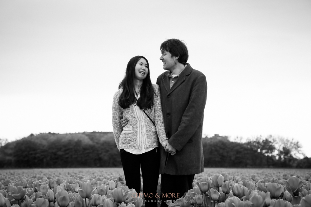 Loveshoot in tulipfield Netherlands