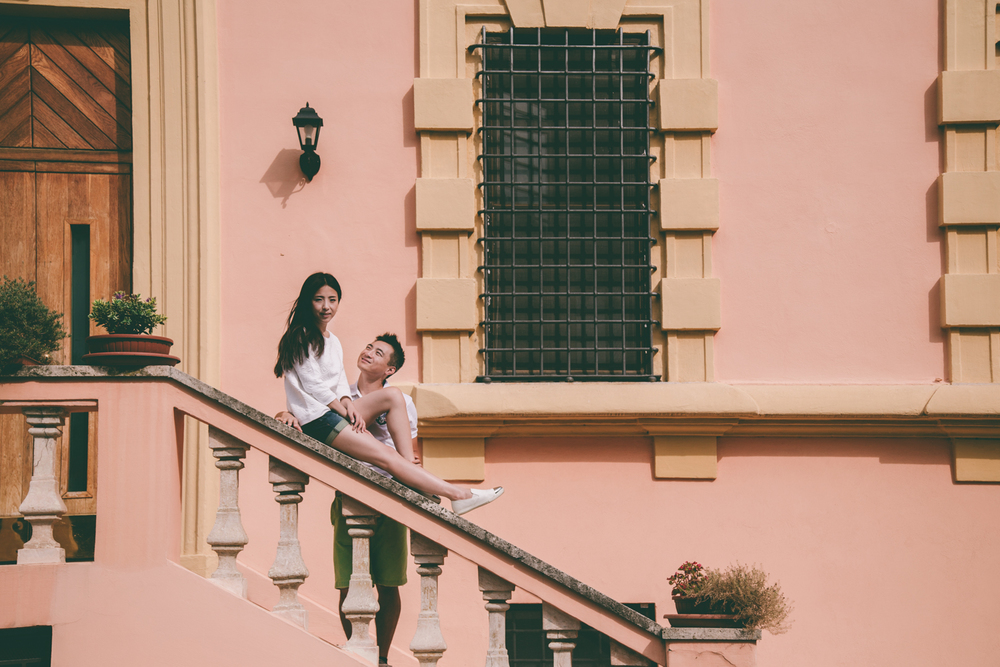 Engagement session in Rome Italy - CHYMO & MORE Photography