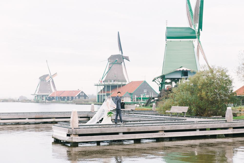 Dutch-windmill-wedding-ideas