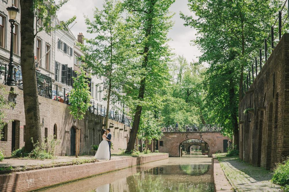 romantische-zomerse-builoft-utrecht-trouwfotograaf