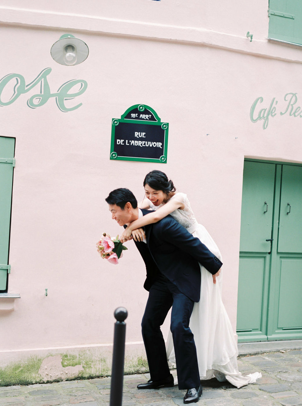 Intimate_Paris_Wedding_Montmatre_Photoshoot_Engagement_session