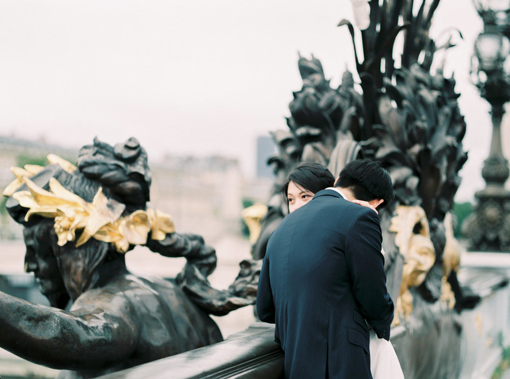 Intimate_Paris_Wedding_Pont_Alexandre_III_Photoshoot_Engagement_