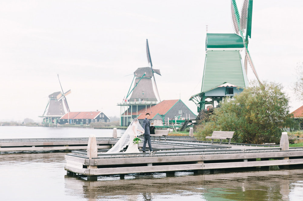Fine_Art_Photographer_Bridal_Session_in_Zaanse_Schans_Amsterdam_
