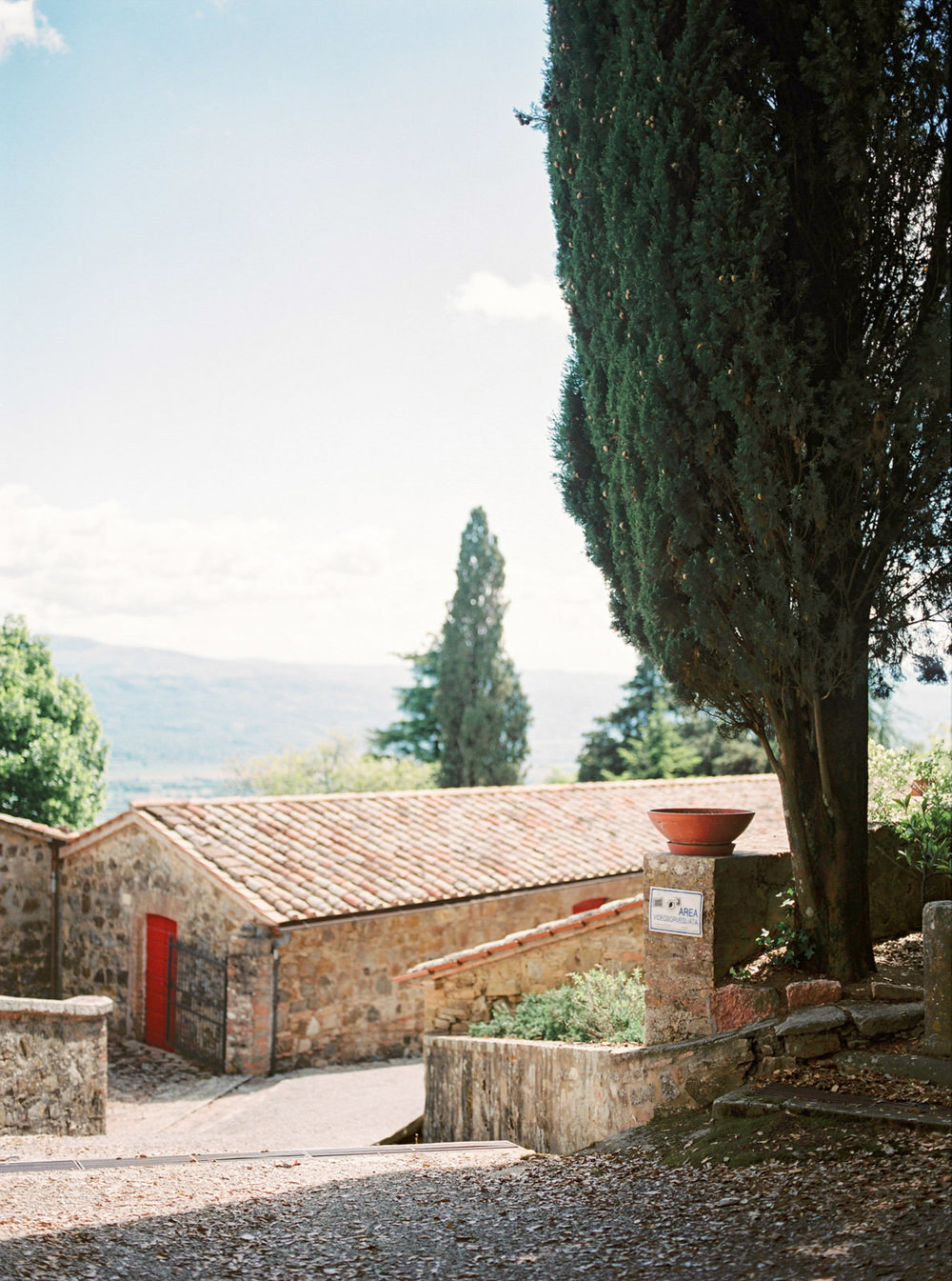 Intimate Italian Wedding in Tuscany Countryside Villa - CHYMO &