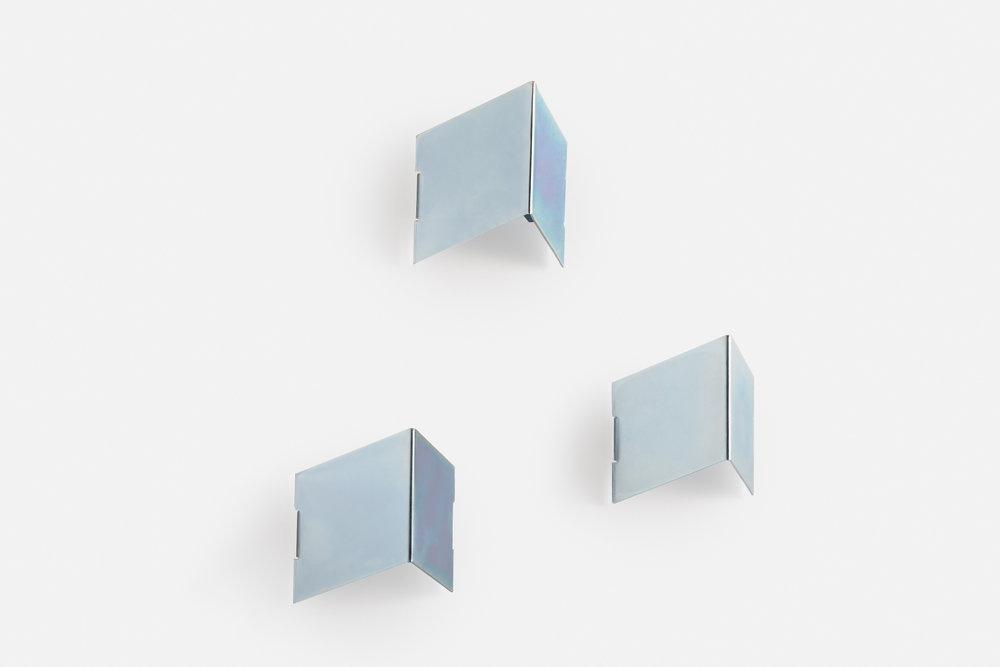 3x Fold wall hooks in silver zinc