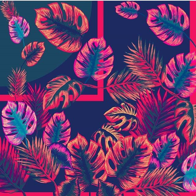 Monday blues? What Monday blues?! We've got tropical Monday at @3hillstreet this morning as @leighelizabethstudio prepares to launch her S/S19 collection. 🍹🌴🌺🌸✨ Expect neon brights, sequin embellishments, tropical prints and MASSIVE earrings 🙌 👀 Sneak peeks in our insta stories!👀