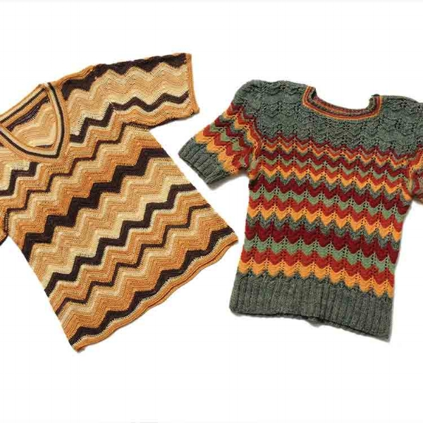 Susan Holton creates her contemporary knitwear in her home/studio in Surrey. She welcomes browsers/buyer by appointment.