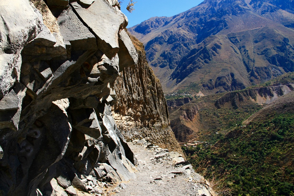 View of the trail in the Colca Canyon - Perù