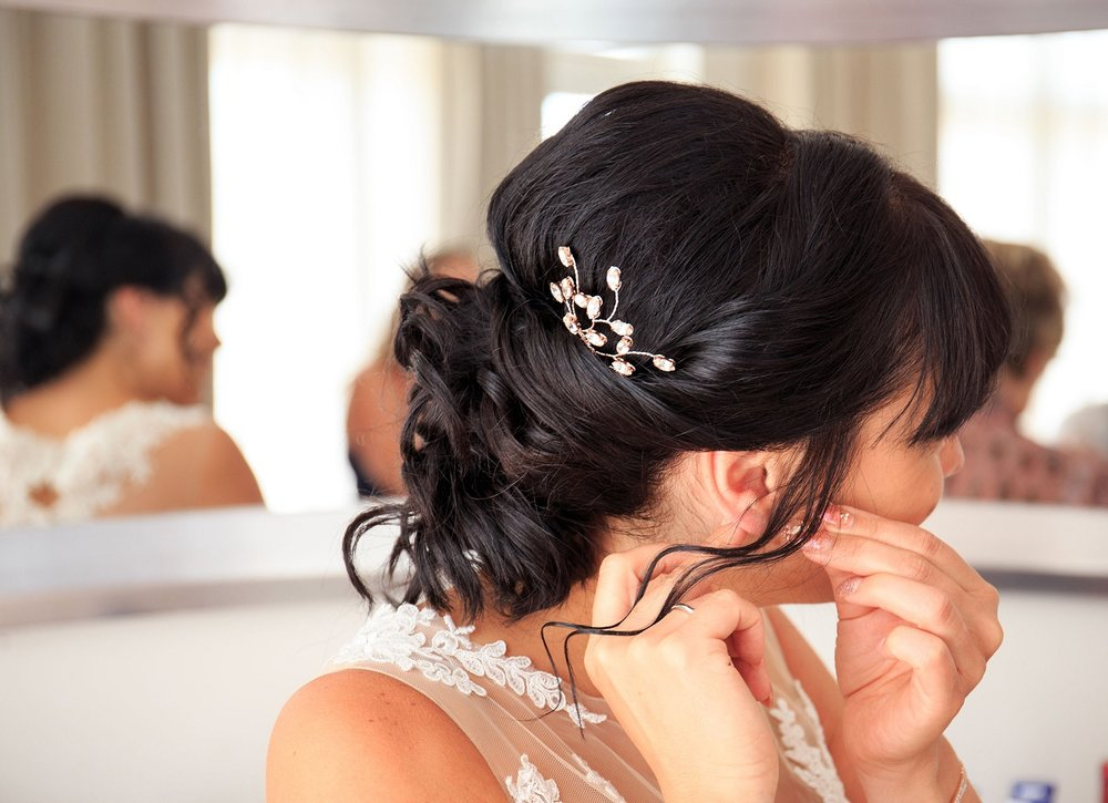 Laura G wearing rose gold Lauretta wedding hair comb