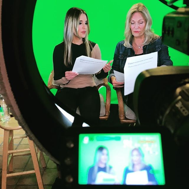 It's a wrap! Just finished the pilot for a new show with Guest Host Regina Meredith coming out in December! Every time I finish shooting I have this moment where I hope I remembered to smile! 😳🙃😆