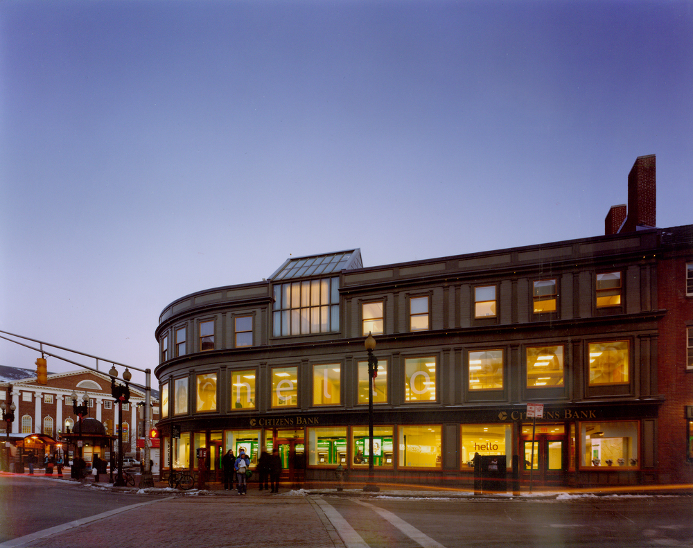 We embrace the unique elements of ahistoric Harvard Square building while meeting the demands of the modern day banking experience.