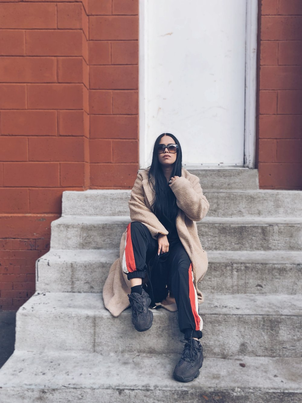 Teddy Coat from WISH, Pretty Little Thing Jogger Set, YEEZY 500, GUCCI sunnies.  Pictures always by  Pamela Ynoa.