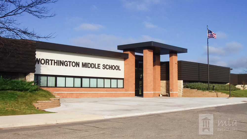 Worthington MS entrance view.jpg