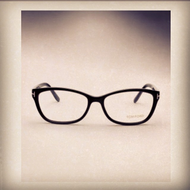 #tomford #glasses #frames #geekchic #optical #plastic #black #cateye #womanswear #womansfashion #modernoptical  @tommford