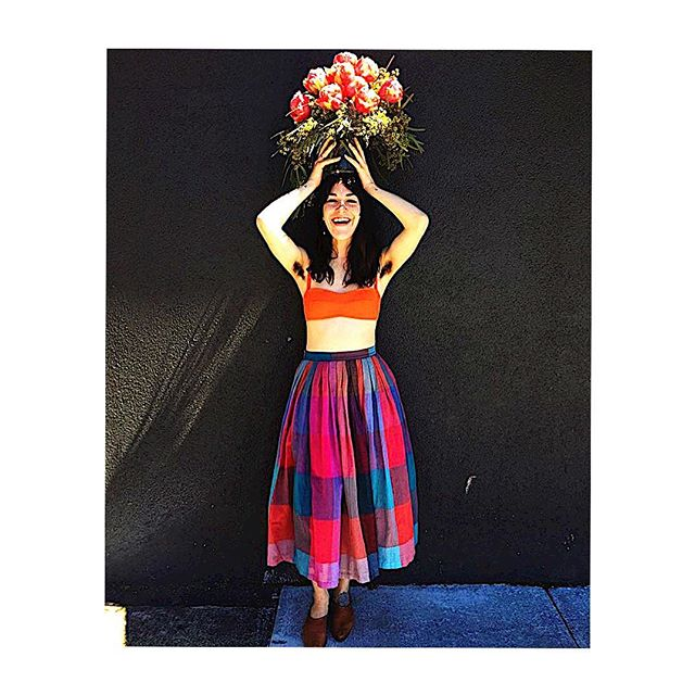 Add some color to your summer wardrobe 🌸🌸Shop our hand loomed checkered skirt @palacestore