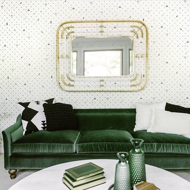 💚🖤 room design by @erinmelkoniandesigns 👌👌#trelliswallpaper #cavernhome