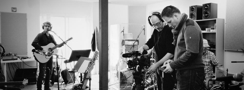 En studio avec Stéphane Archambault et le groupe Mes Aieux.