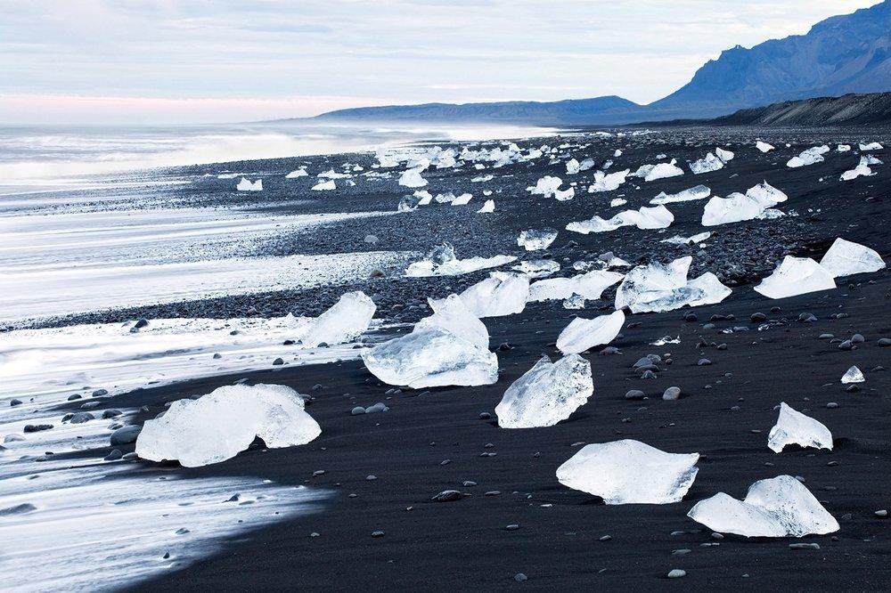 Black-Sand-Iceland.-Feel-planet.jpg