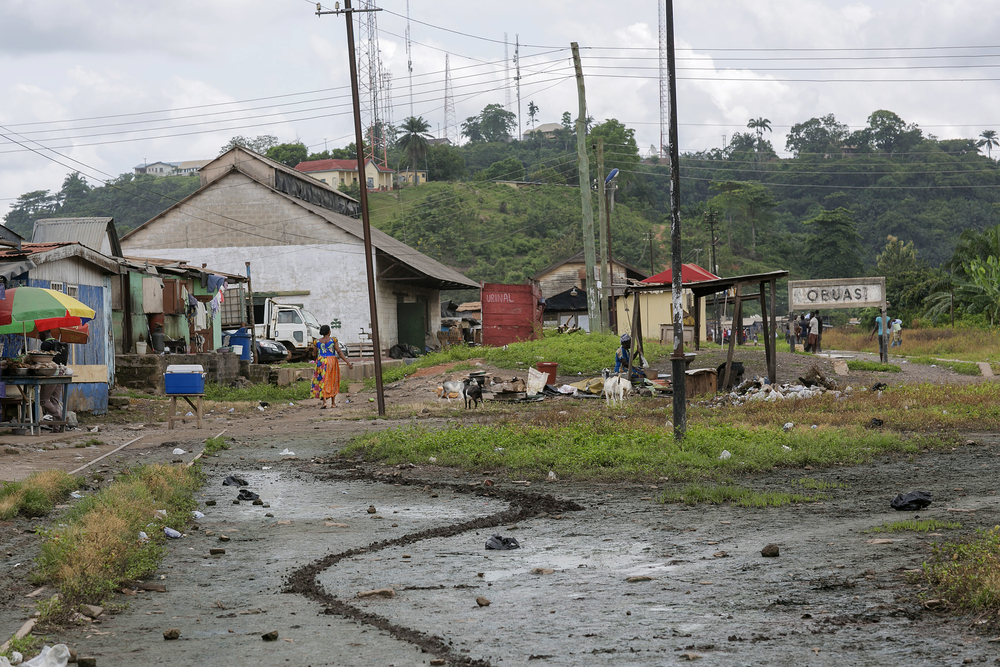 obuasi outside mine.jpg