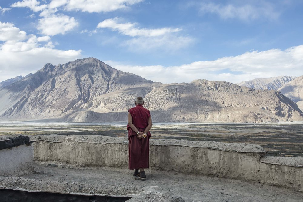 Long gaze to Tibet