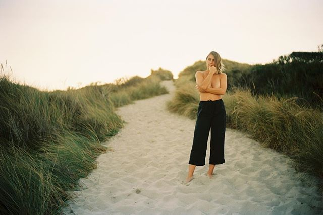 human connection— if you let yourself, you can find it anywhere.  the universe is full of surprises.  we found this spot on a whim. styled and posed the best we could with the moments of fleeing sunset we had left 💕 i love how it turned out with portra 160 for the win! #sunset #oregondunes #indiefilmlab #findthelight  with my forever muse✨ you already know (idk if she want the tag)