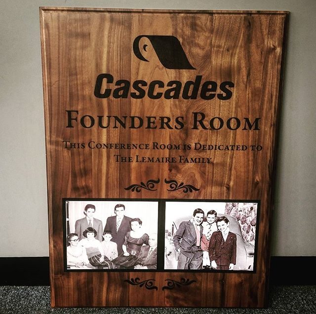Large founders plaque for Cascades, honoring the family that started it all. #woodengraving #laserengraved #sublimation #sublimationprinting #laserengraving