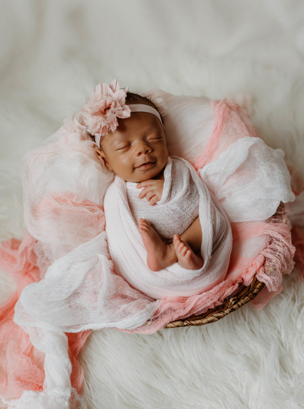 $350 - Lifestyle • Maternity • Newborn • Milestones- 2 hour session -- Your choice of in-home or outdoors -- Receive 30 hi-res digital photos to download -- Access to your online gallery for 60 days -- One 8x10 premium print of your choice -