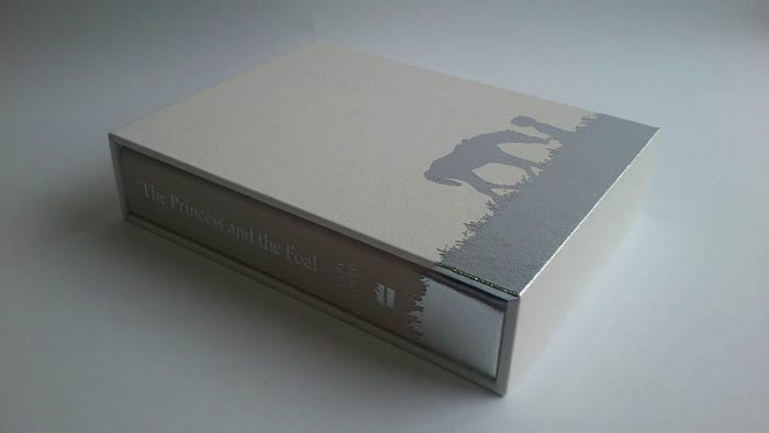 Sewn book & slipcase (cover: leather, foiling)