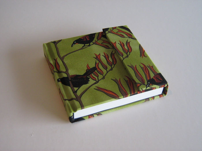 Perfect bound (cover: dress fabric, magnet closure)