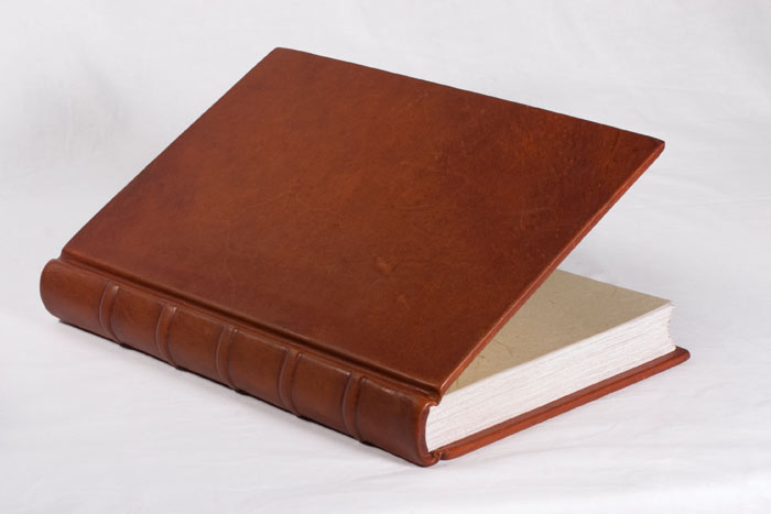 binding_studio_leather_book_1.jpg